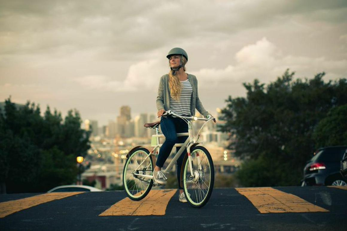 The stylish Faraday Porteur electric bicycle offers 20 miles (32 km) of pedal-assist