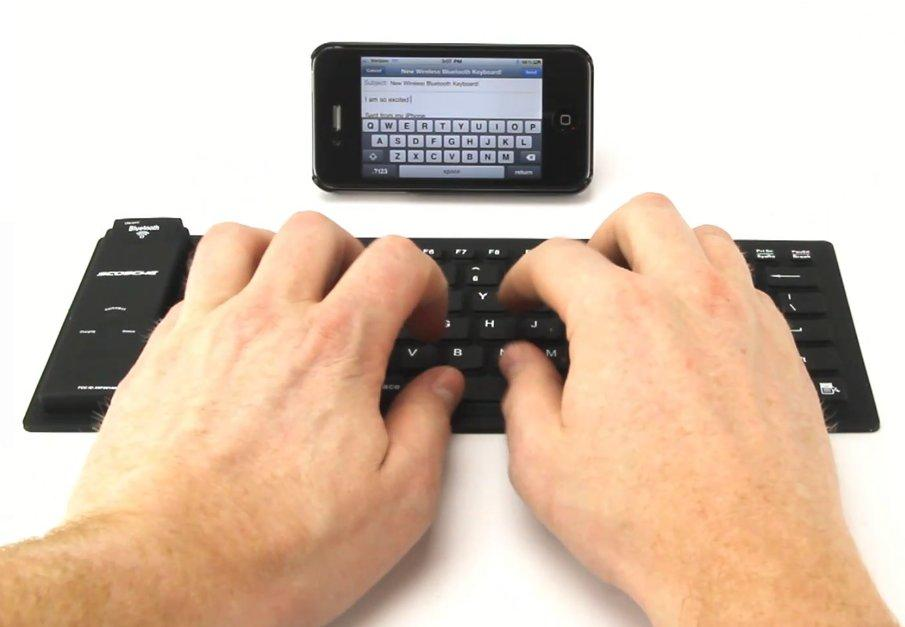 The freeKEY roll-up, splash-proof keyboard is compatible with Windows, Android, Mac OS X and iOS operating platforms
