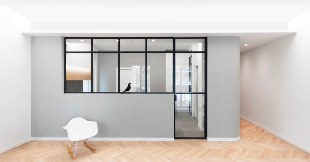 Architects squeeze 4 bedrooms, 3 bathrooms into 135-sq m apartment