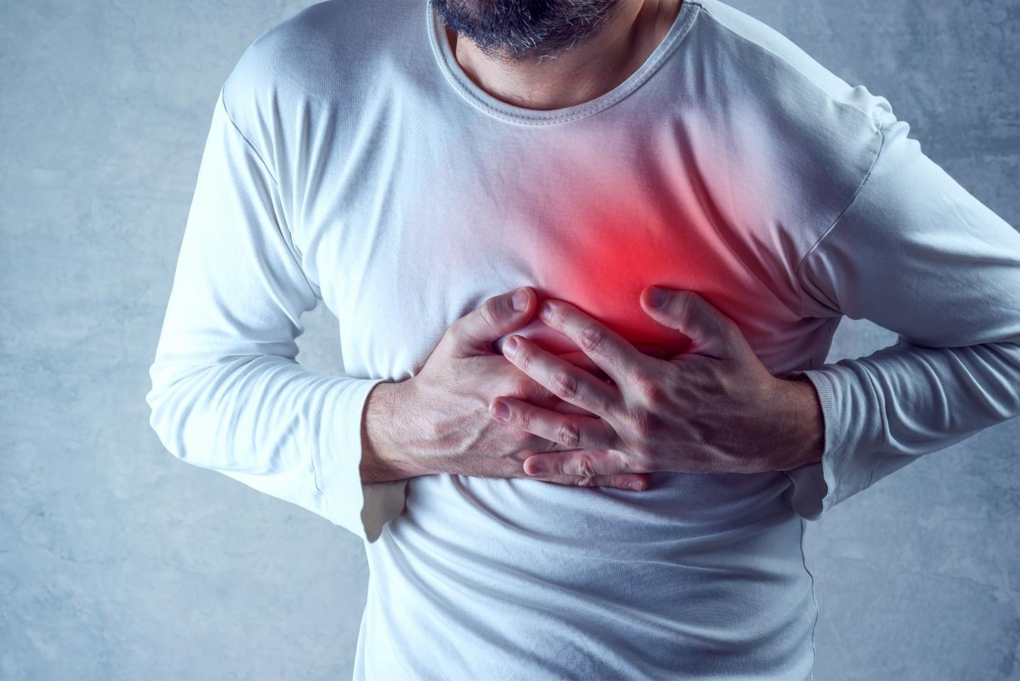 The drug-containingnanospheres could be injected into the bloodstream of heart attack patients