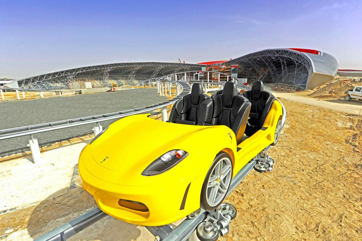 Ferrari GT Rollercoaster - two tracks operate simultaneously