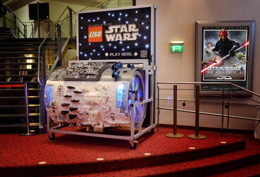 The Star Wars barrel organ was exhibited in various cinemas around Germany at the time of the Star Wars 3D release
