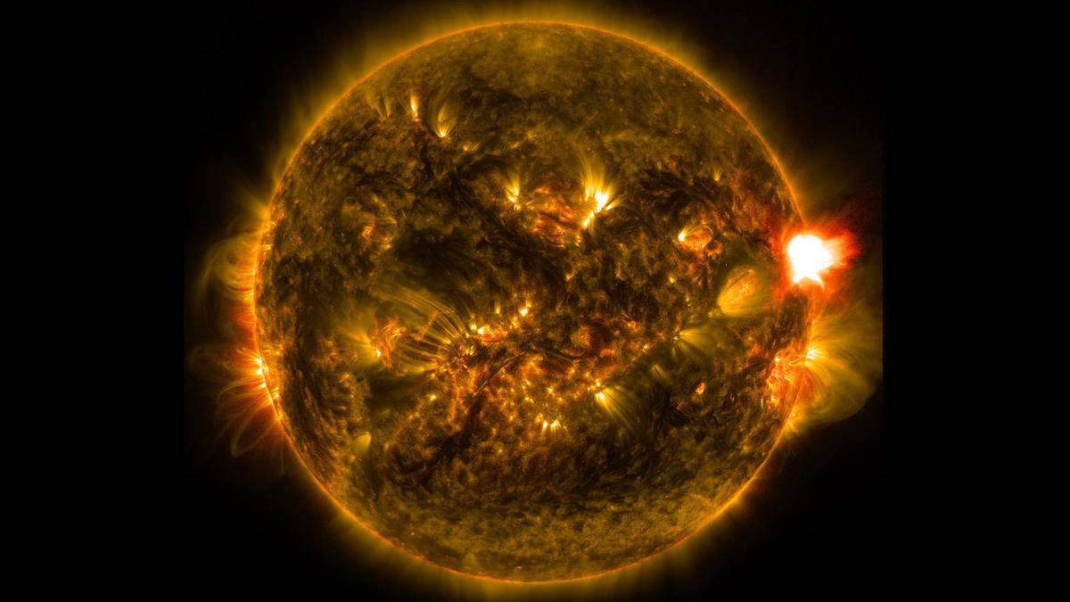 A massivesolar flarecaptured by NASA's Solar Dynamics Observatory