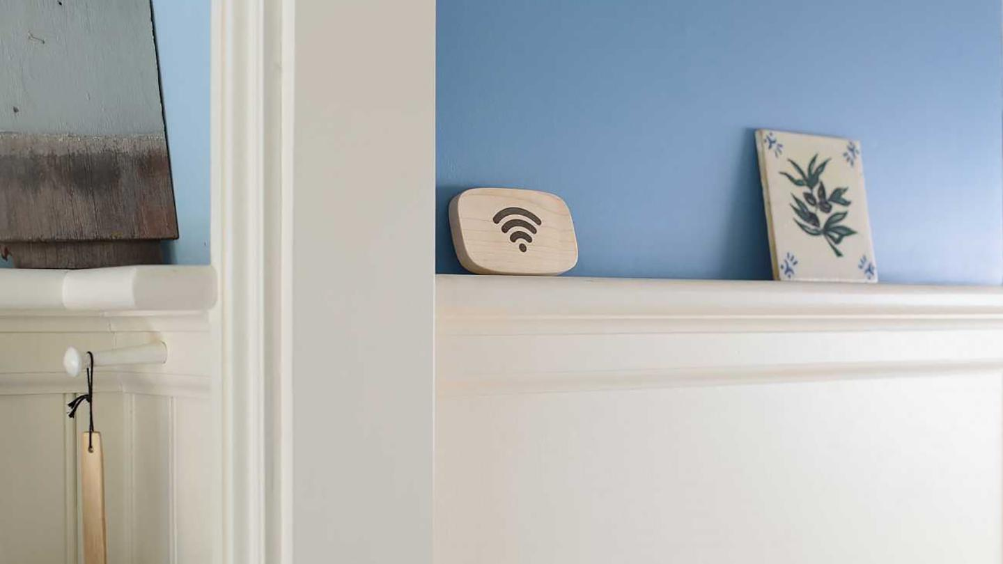 Put the Wi-Fi Porter anywhere you like– no power or batteries required