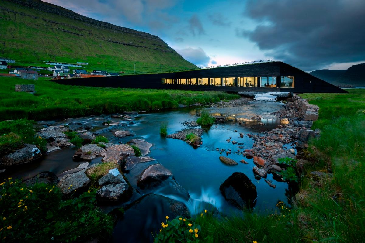 The Eysturkommuna Town Hall is a new 700 sq m facility for the village of Norðragøta