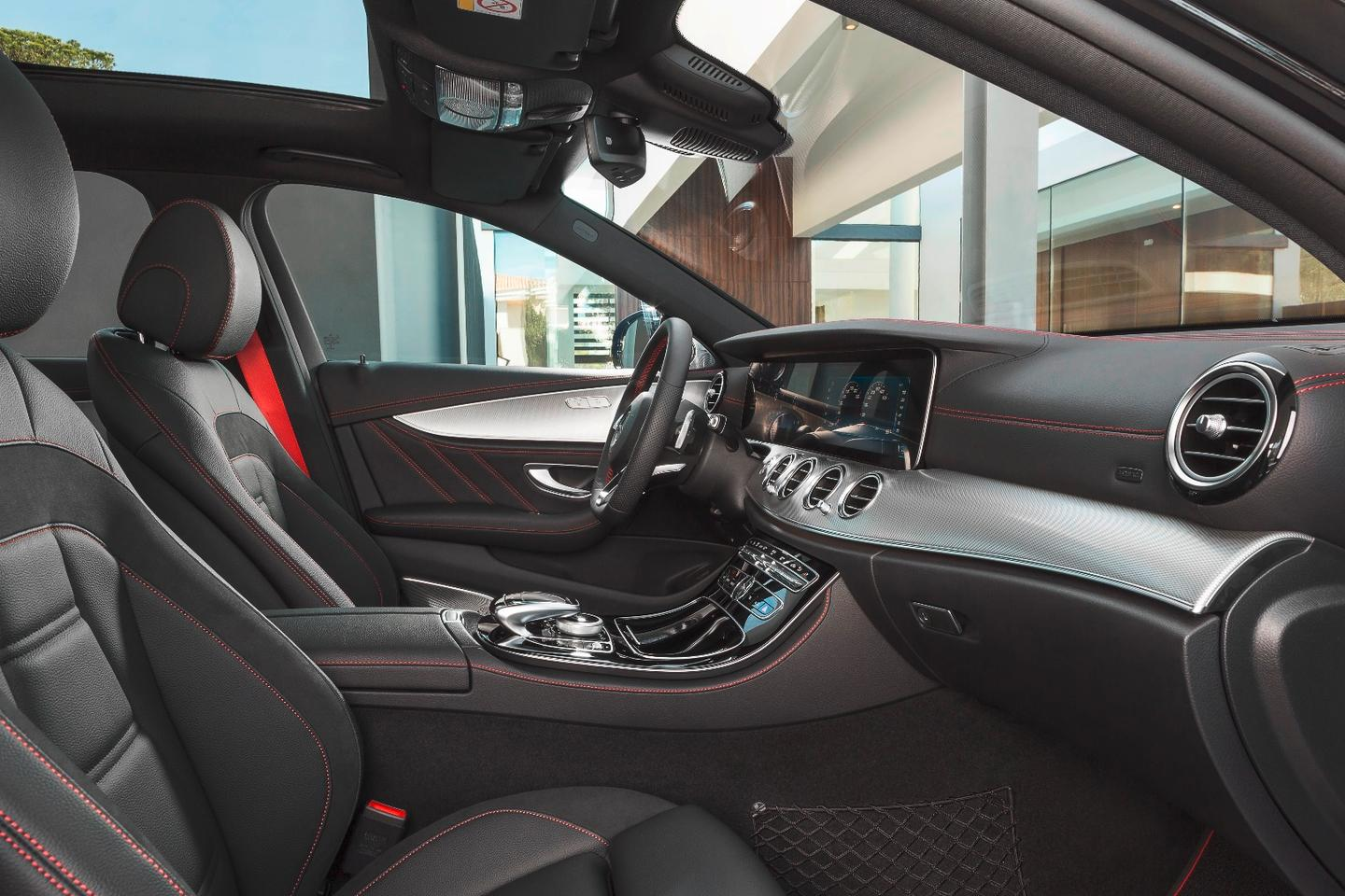 Inside, other AMG touches make sure those in the new E 43 4MATIC know where it comes from