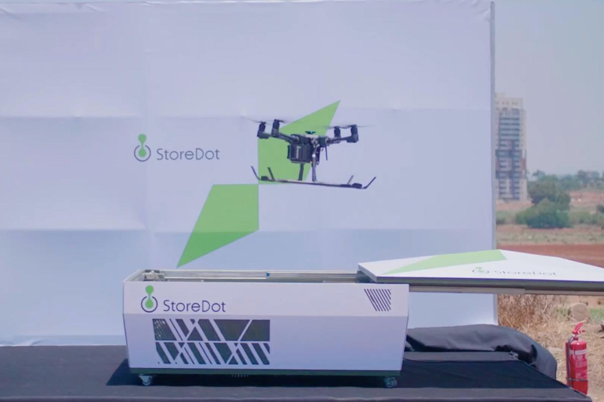 A FlashBattery-packin' drone lifts off from the StoreDot charging station