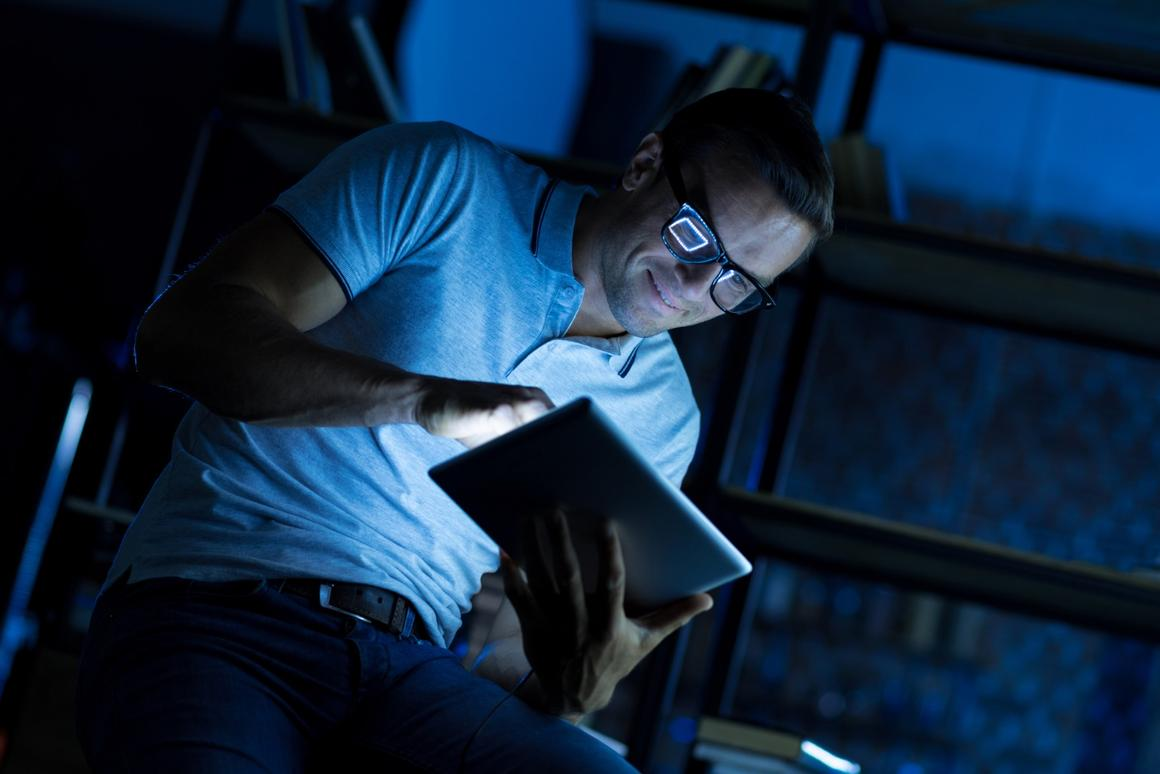 A study has found night owls have a greater risk of dying sooner that those who got to bed and wake up early