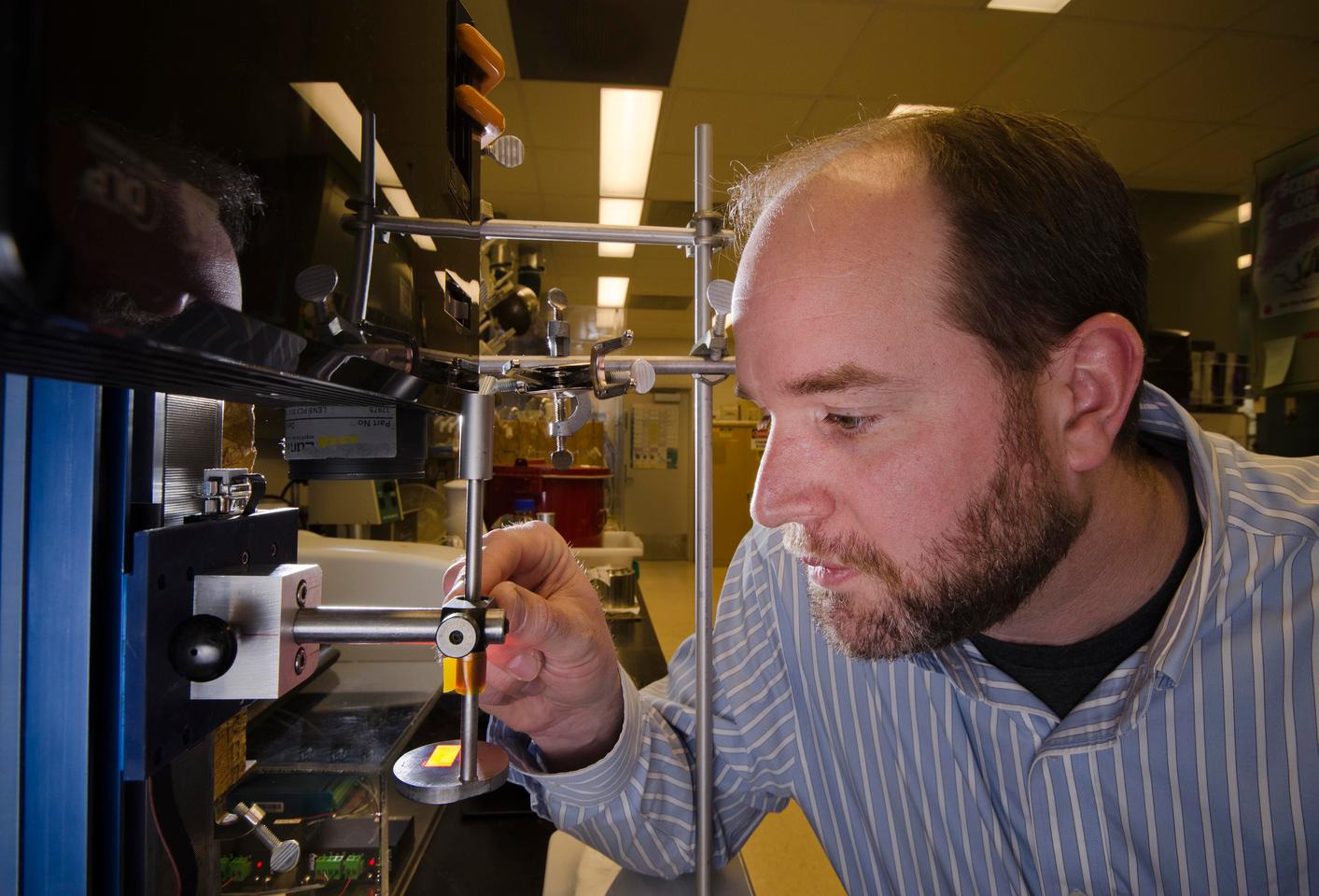Organic materials chemist Shawn Dirk. one of the leaders of the team developing the Sandia Lab neural interface (Image: Sandia Labs)