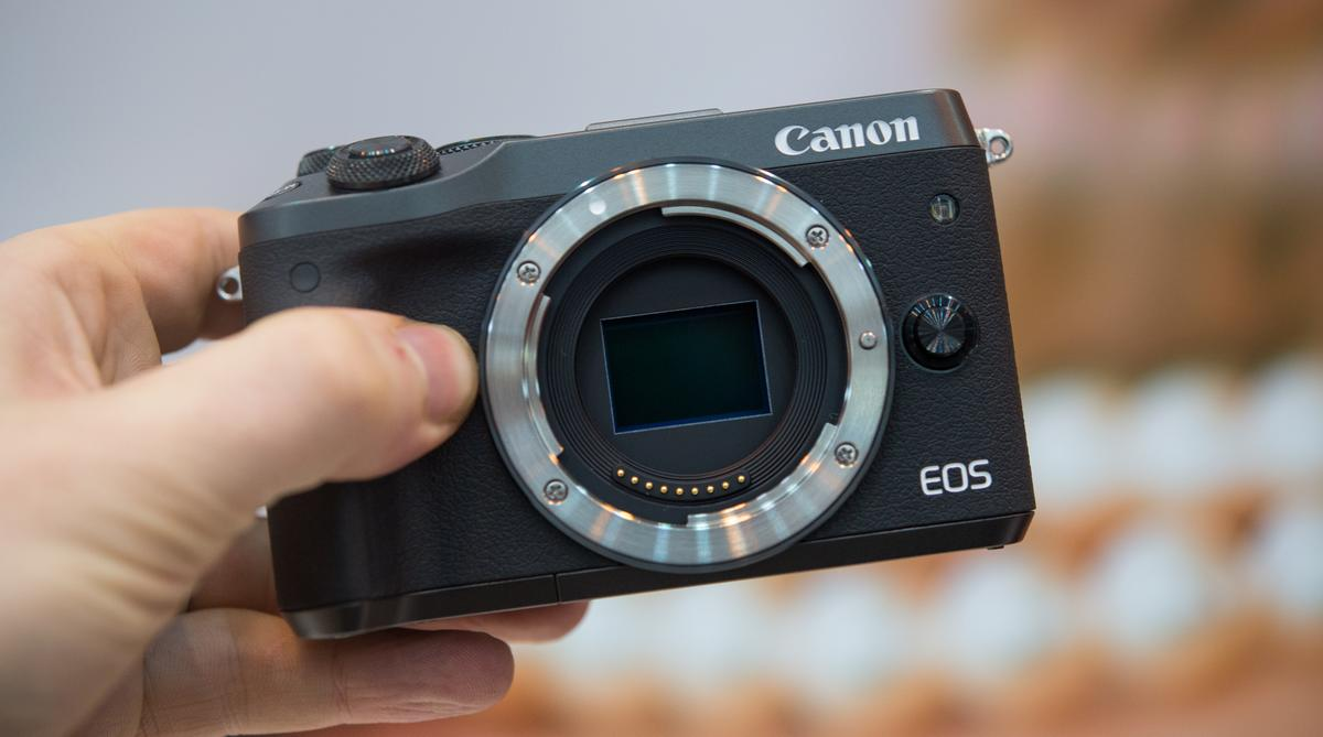 We go hands-on with the Canon EOS M6 mirrorless camera