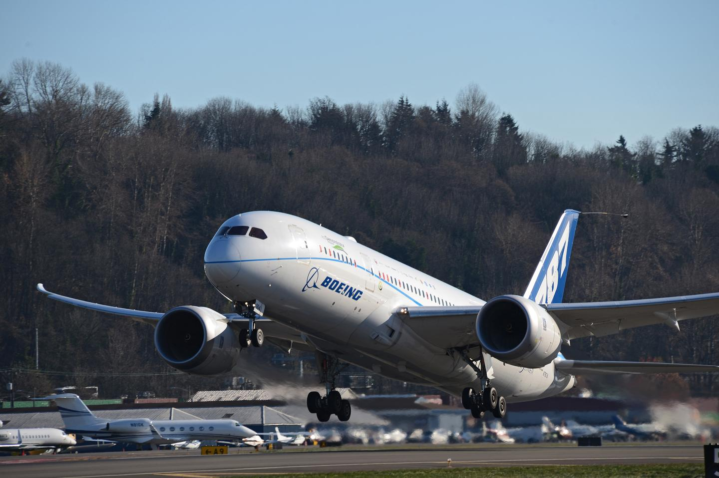 The ecoDemonstrator 787 lifts off yesterday at Boeing Field in Seattle (Photo: Boeing)