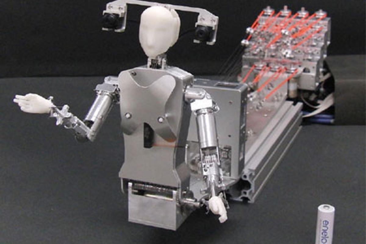 The MH-2 telepresence robot mimics the movements of its remote operator (Photo: Yamagata University)