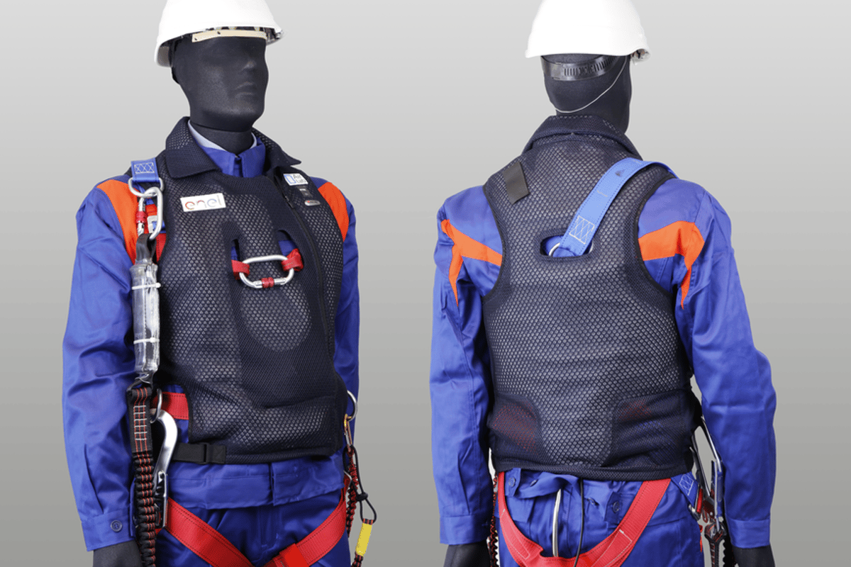 If the Safety Jacket's sensors detect fall conditions, the electronic brain instructs the pneumatic system to inflate the protective airbags positioned around the body