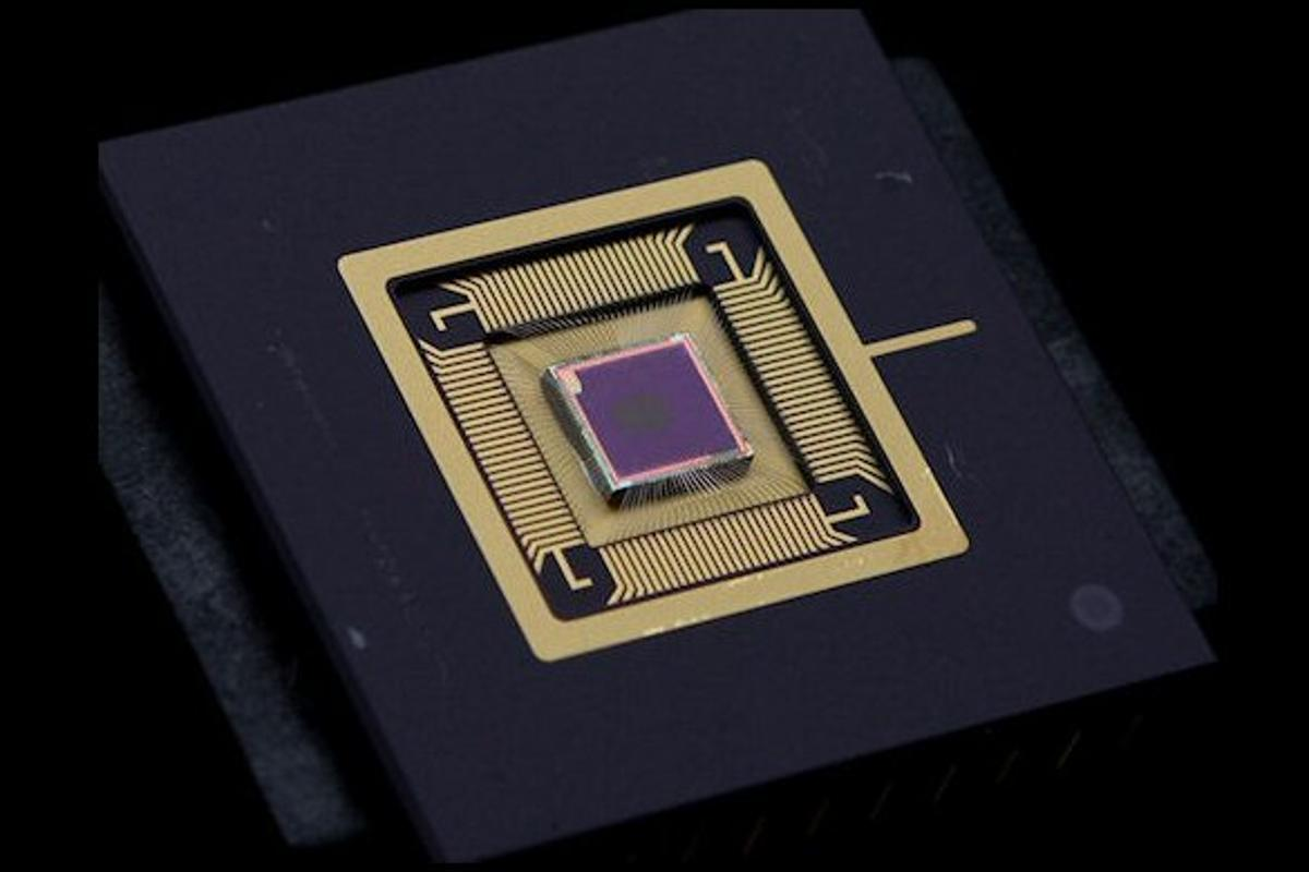 """QuantumFilm sensor technology captures """"better pictures in even the most challenging lighting conditions"""" thanks to nanocrystal technology (Image: InVisage Technologies Inc.)"""
