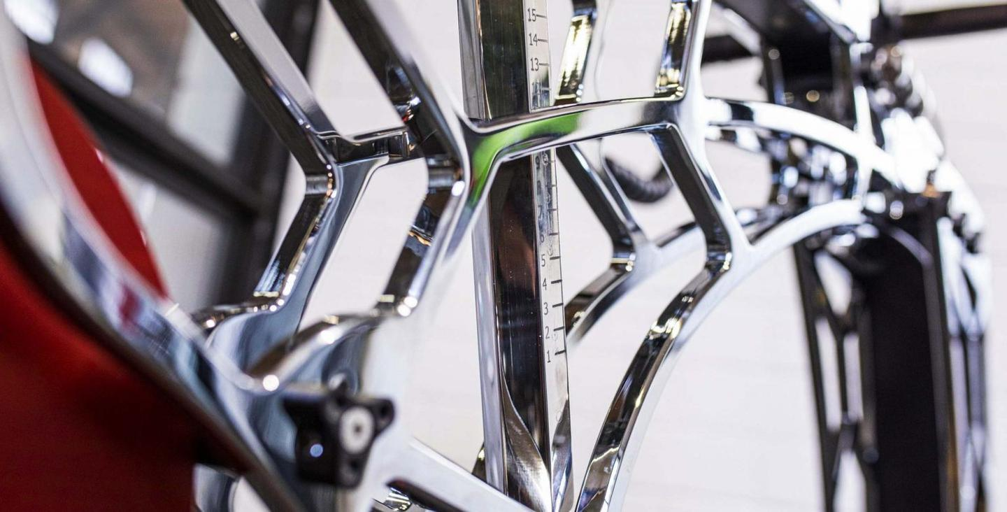 The RoyalBees.bike takes its name from the honeycomb-like structure of its titanium-coated aluminum alloy frame