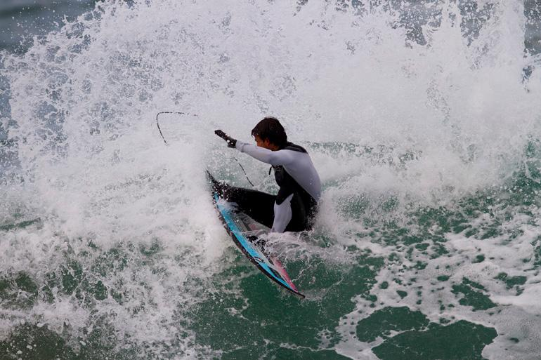 Hodei Collazo tests out the high-tech surfboard
