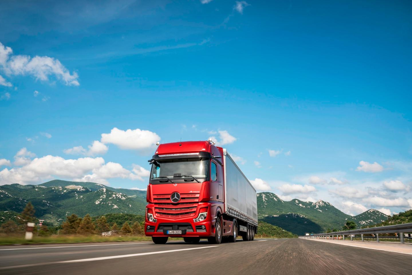 The Actros is very popular in European markets and this new version of the truck adds efficiency, technology, and new semi-automated driving and driver-assist systems to improve safety as well