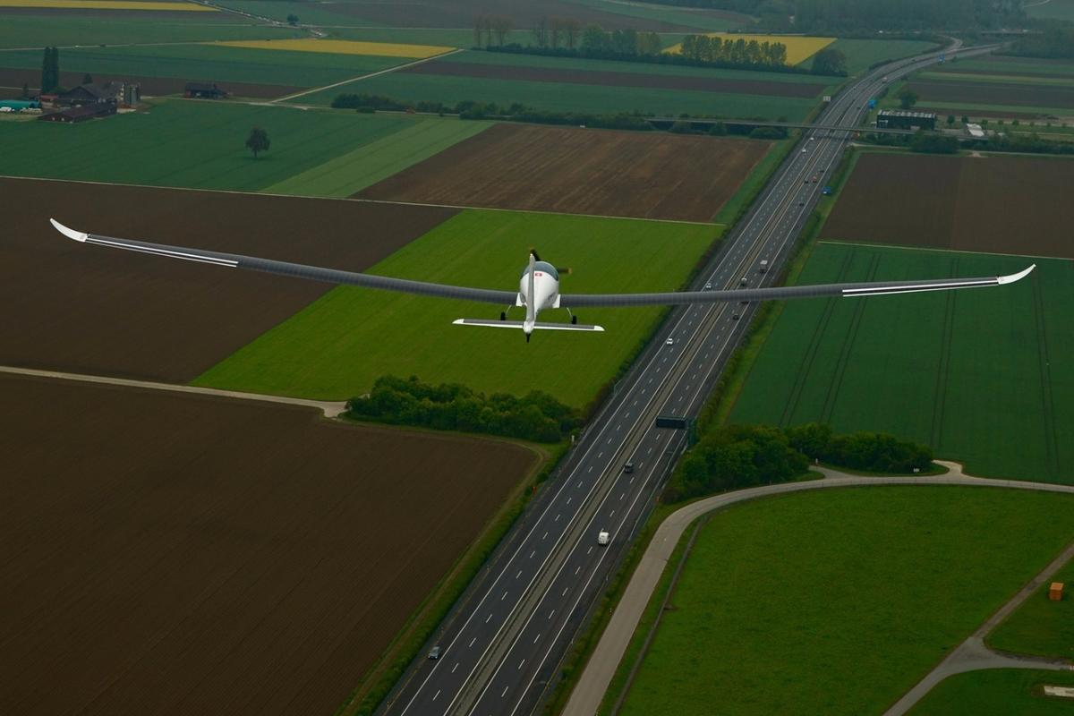 SolarStratos takes to the Swiss skies