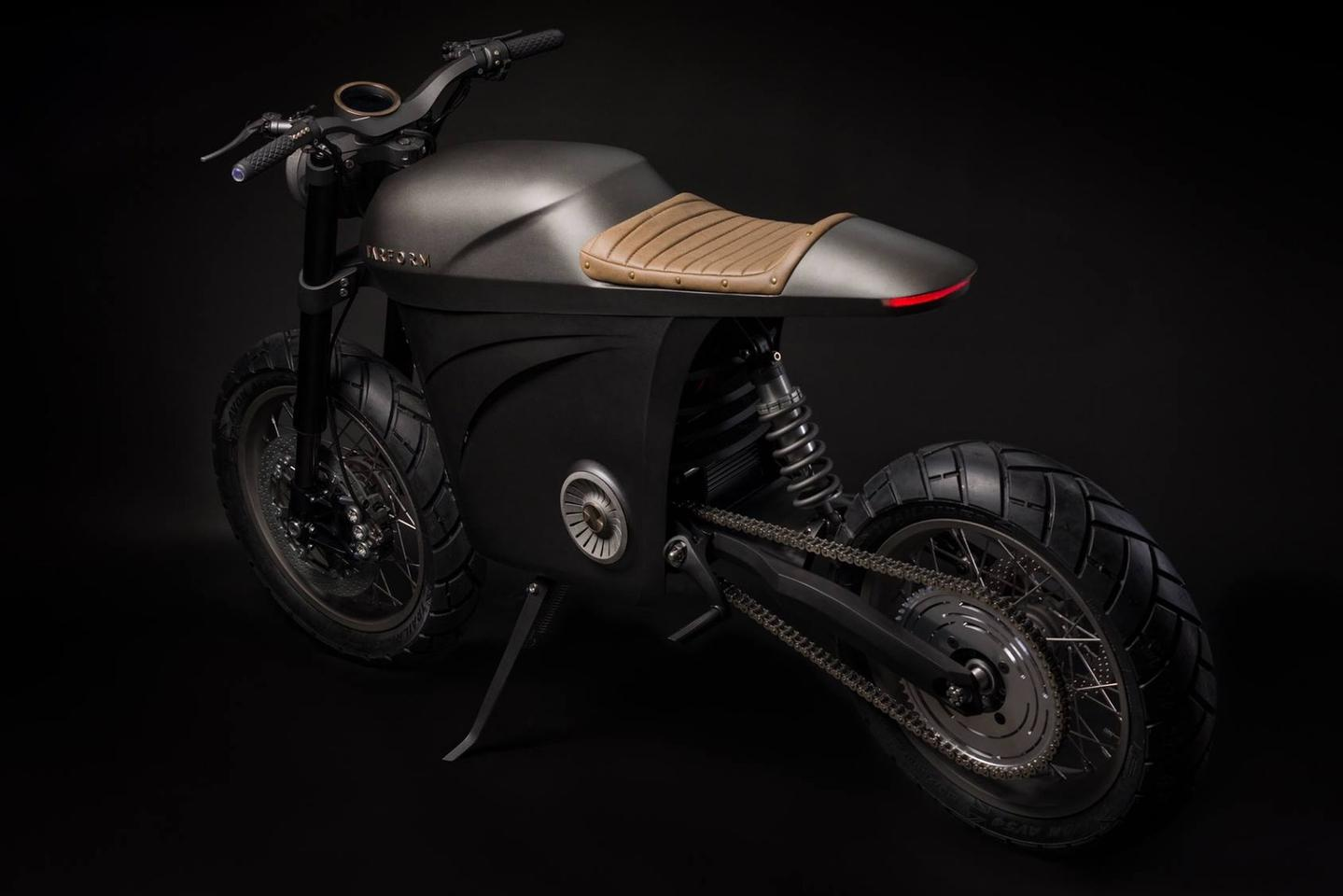 Tarform electric scrambler: an elegant design