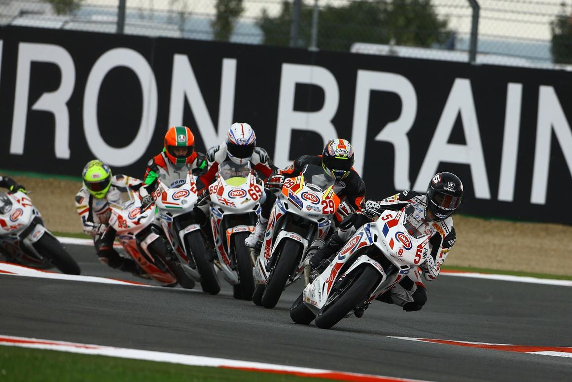 A fleetof identicalHonda CBR500R motorcycles powered the European Junior Cup in 2013 and 2014