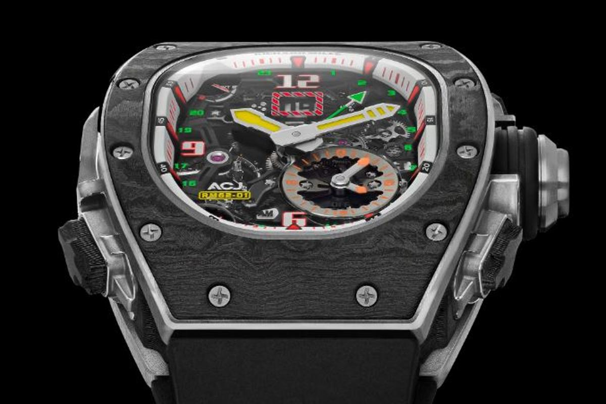 The RM 62-01 includes a very rare vibrating alarm