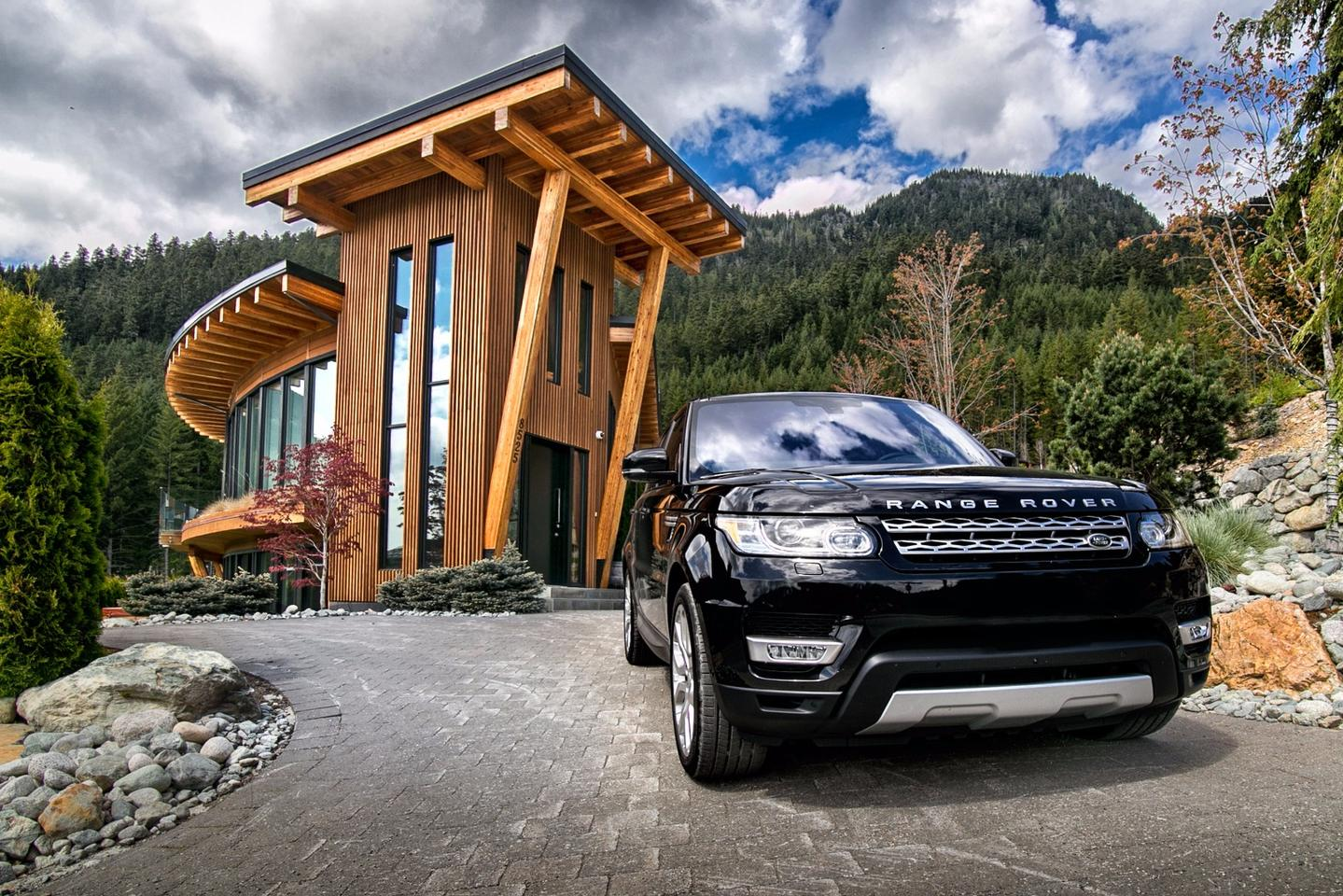 The average home in Vancouver runs around $1 million Canadian, making the classy Range Rover Sport feel right at home