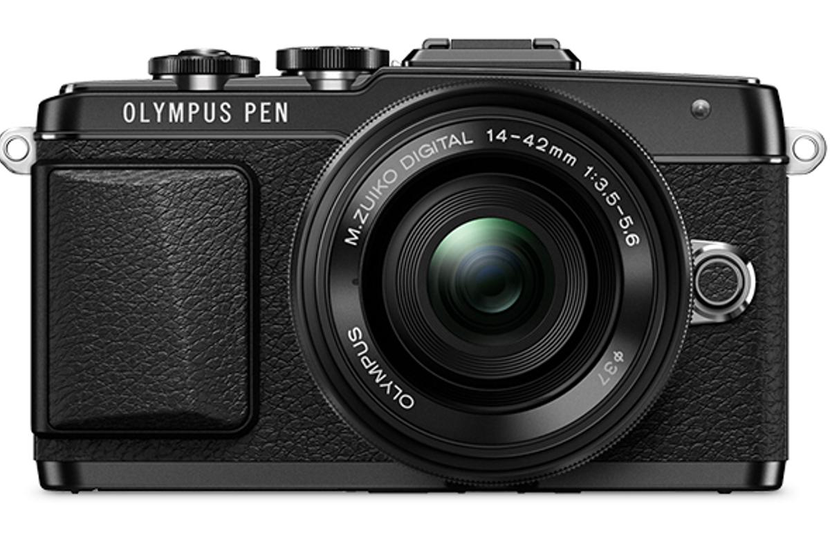 The Olympus PEN E-PL7 boasts a number of features to make shooting selfies easier