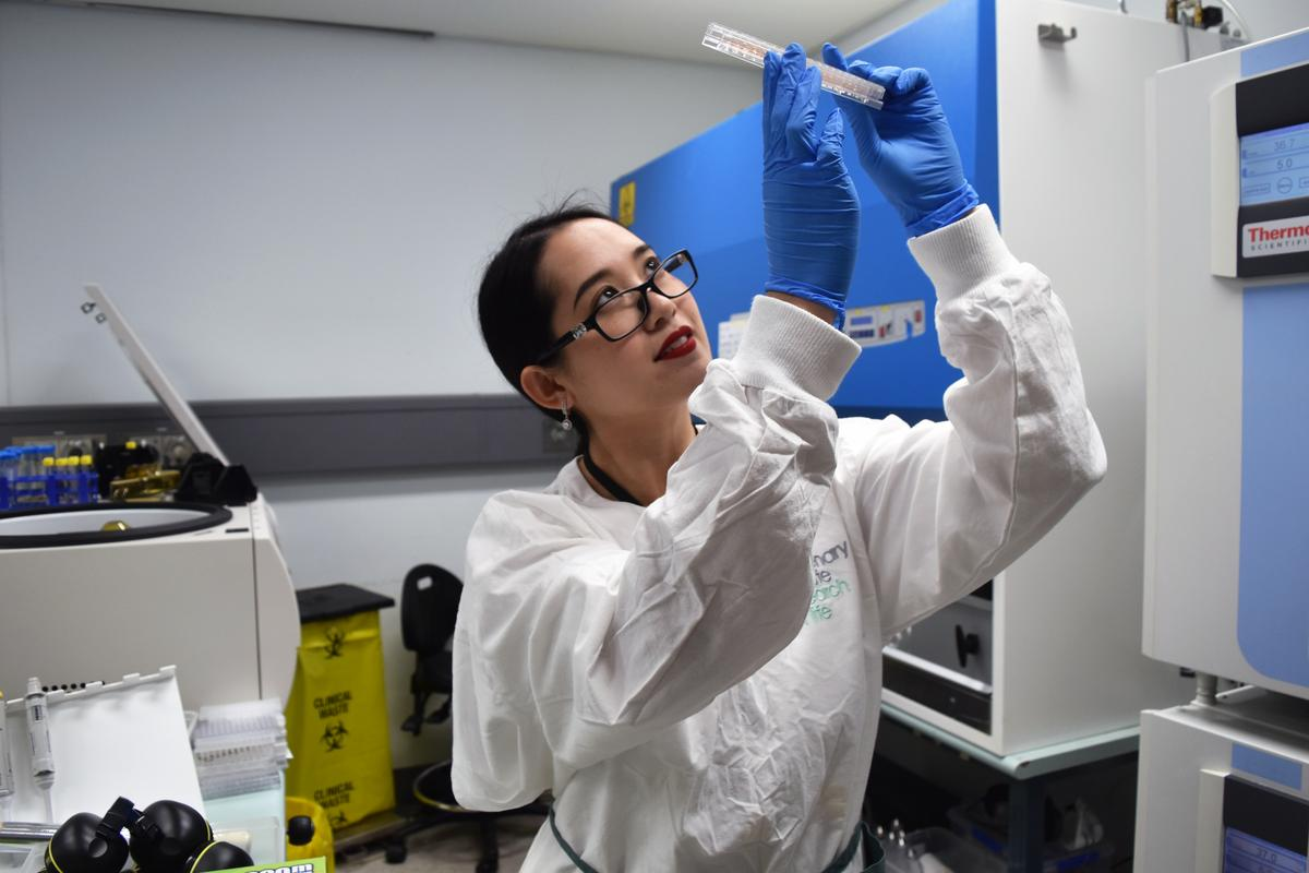Dr. Diana Quan, working in the lab of Prof. Jamie Triccas