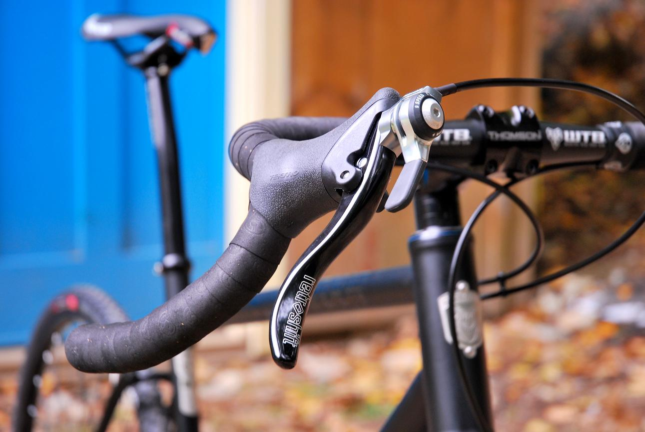 There are three models of Retroshift CX – one for bikes with no front derailleur, one for bikes with with cantilever or caliper brakes, and one for bikes with linear-pull, V-brakes or disc brakes