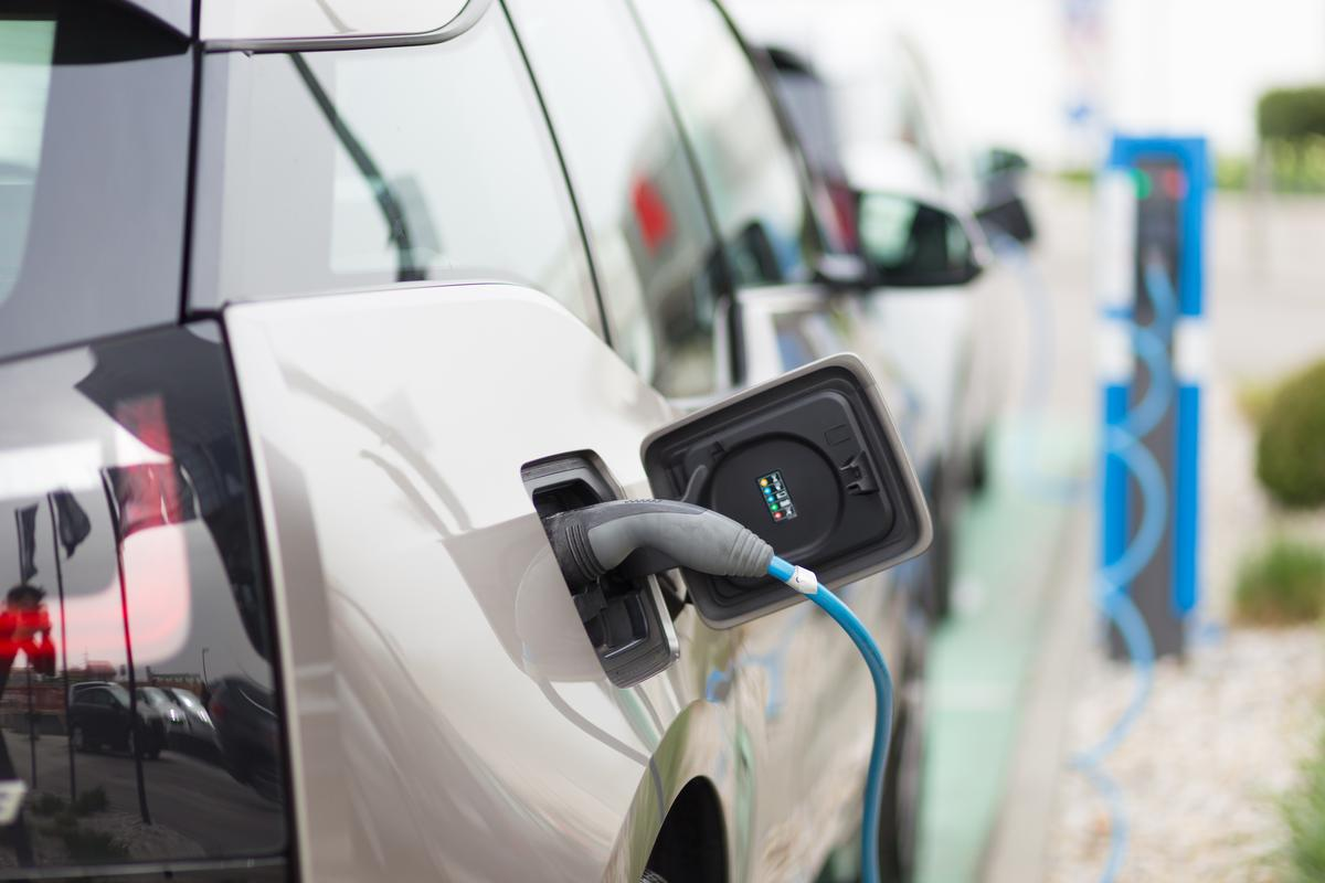 Scientists have demonstrated a new type of organic-based battery that could boost the range of electric vehicles