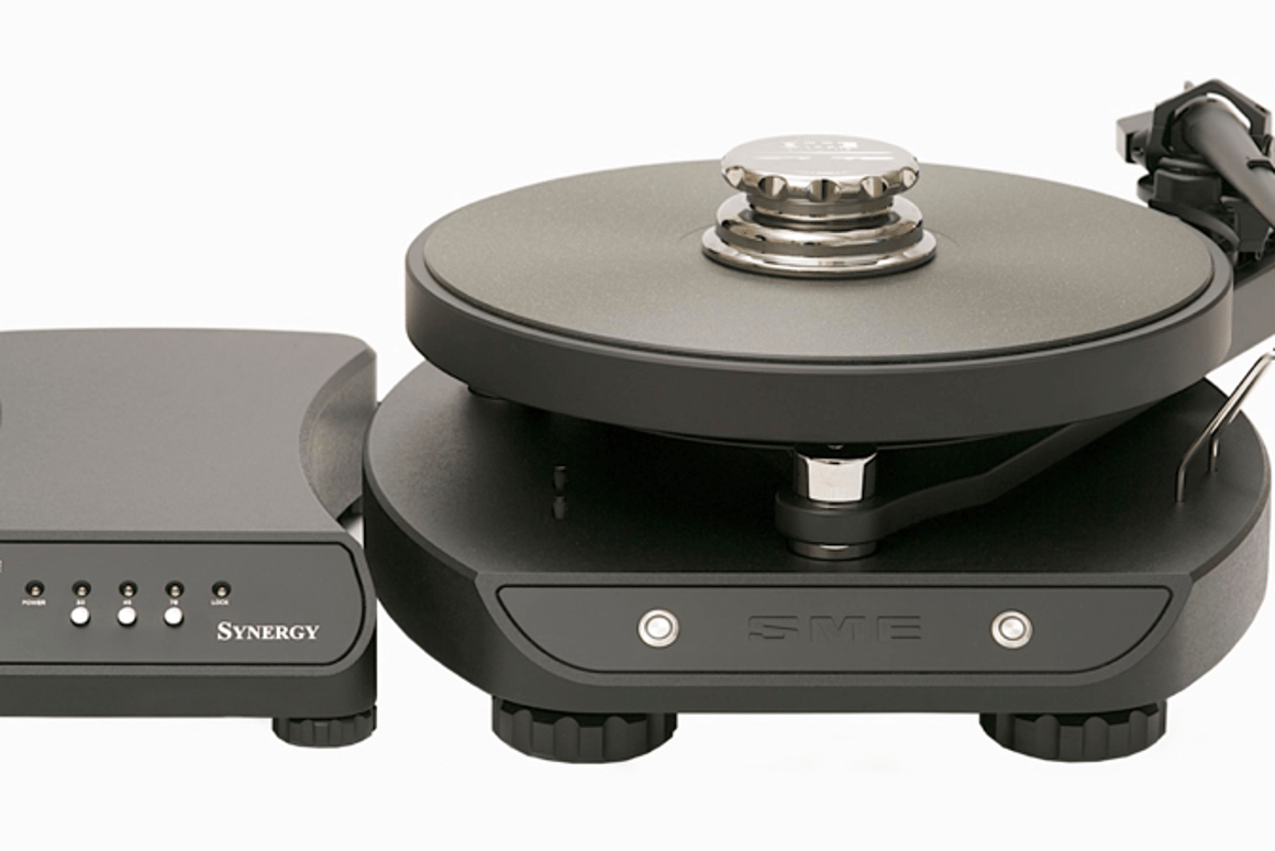 High-end turntable puts component shopping to bed