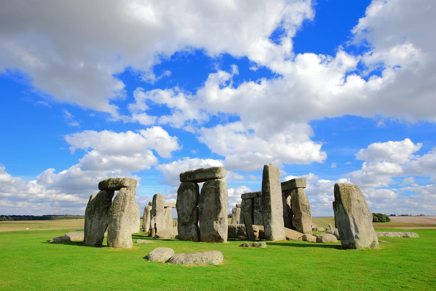 Stonehenge might incorporate bluestones previously used to build an earlier stone circle in Wales