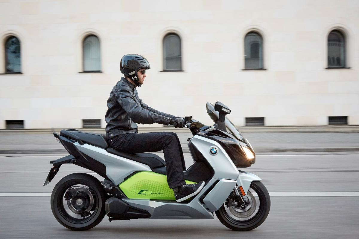 BMW's C evolution e-scooter will come in two varieties, both to be launched at the Mondial de L'Automobile, Paris 2016