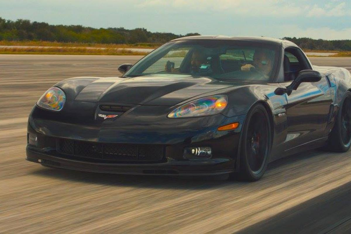 The Genovation GXE is based on a Corvette Z06