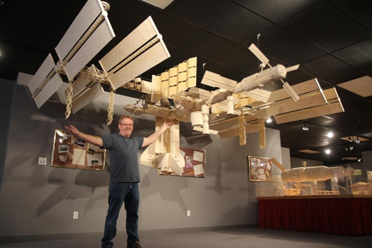 The 1/26 scale model ISS built by Pat Acton using 282,000 matchsticks and 8 gallons (30 L) of glue