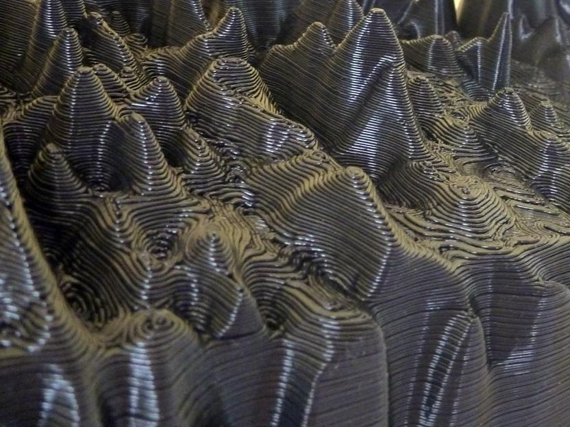 A close up of the grooved surface of the voice sculpture (Photo: Gilles Azzaro)