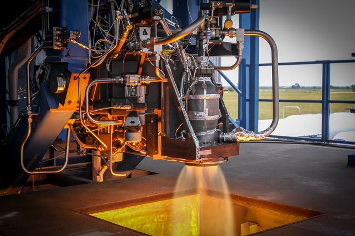 The SuperDraco engine test firing