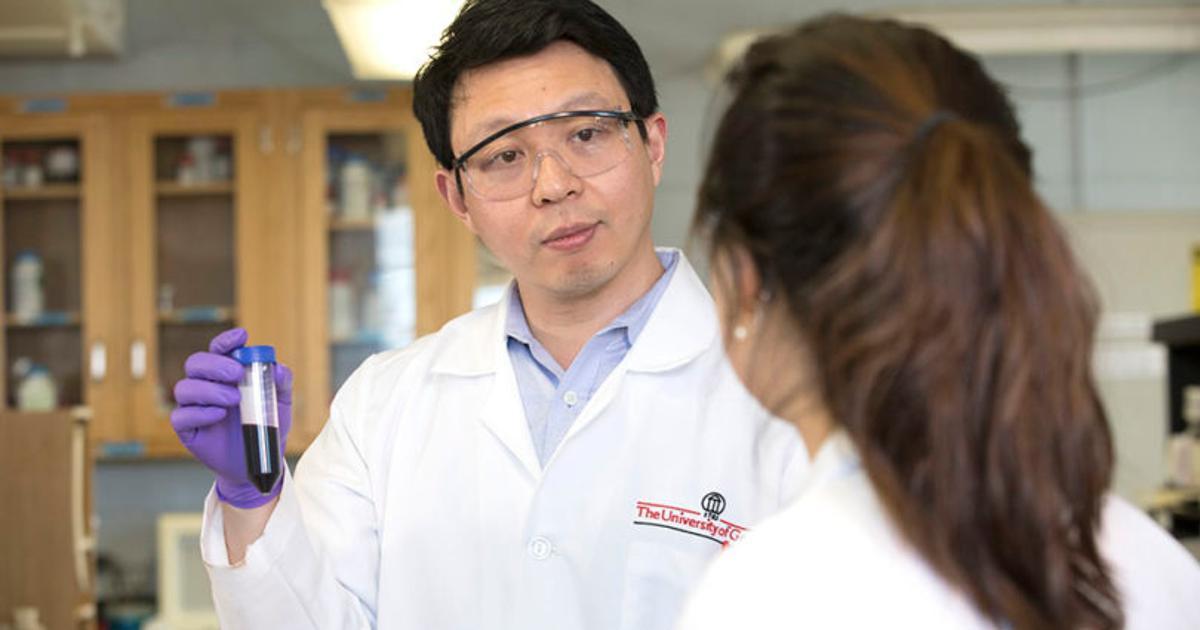 Salty nanoparticles slip into cancer cells to wreak destruction