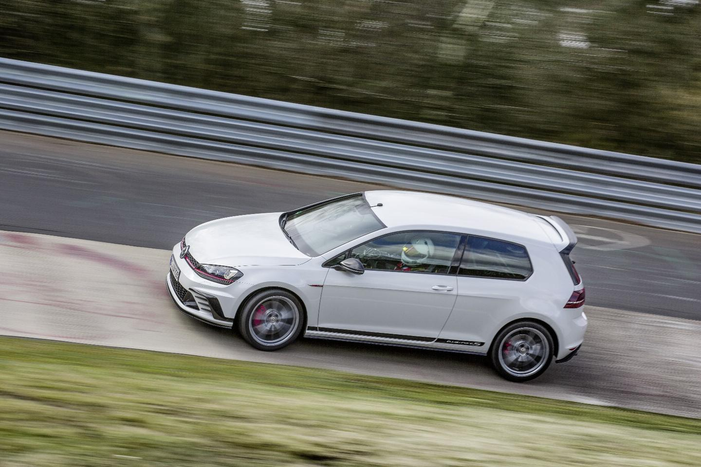 The GTI Clubsport S in action on the Nordschleife
