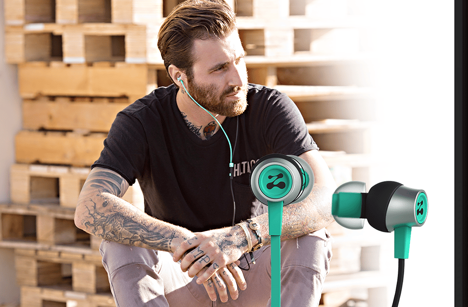 Zipbuds SLIDE earphones provide an award-winning sound signature with its ZBXi Ultimate Drivers
