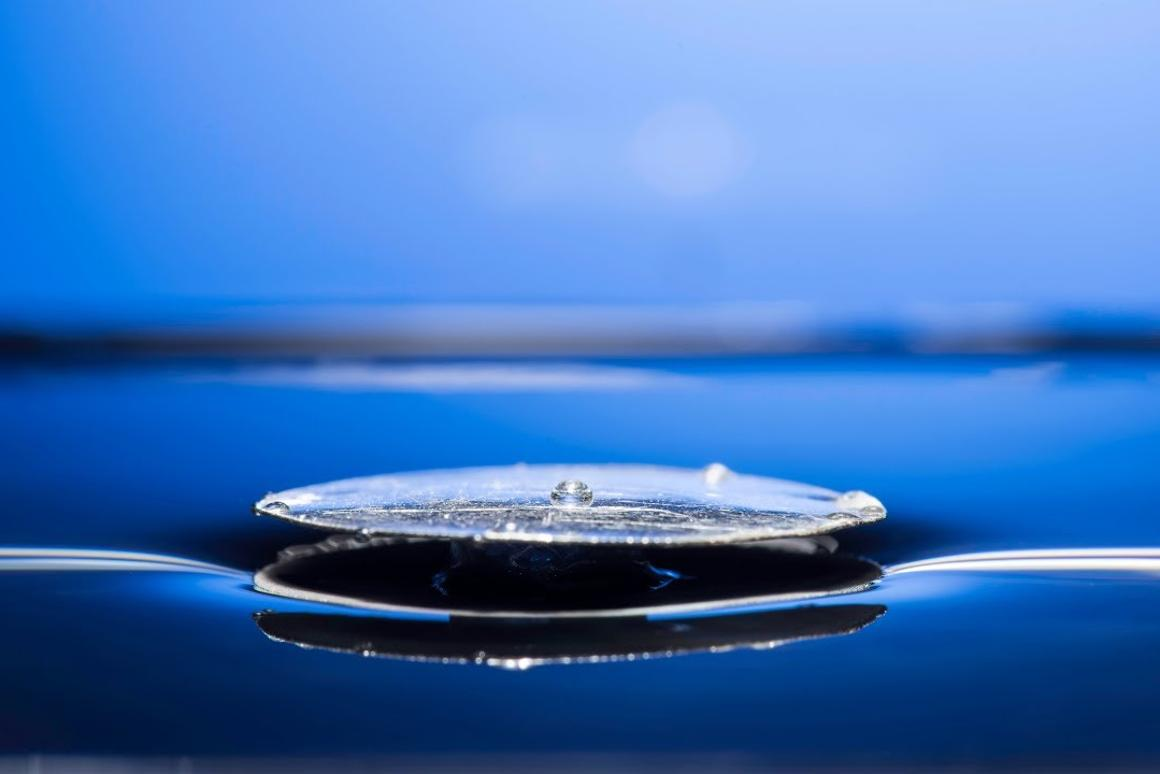 "An ""unsinkable"" metal floats on top of water, thanks to being superhydrophobic"