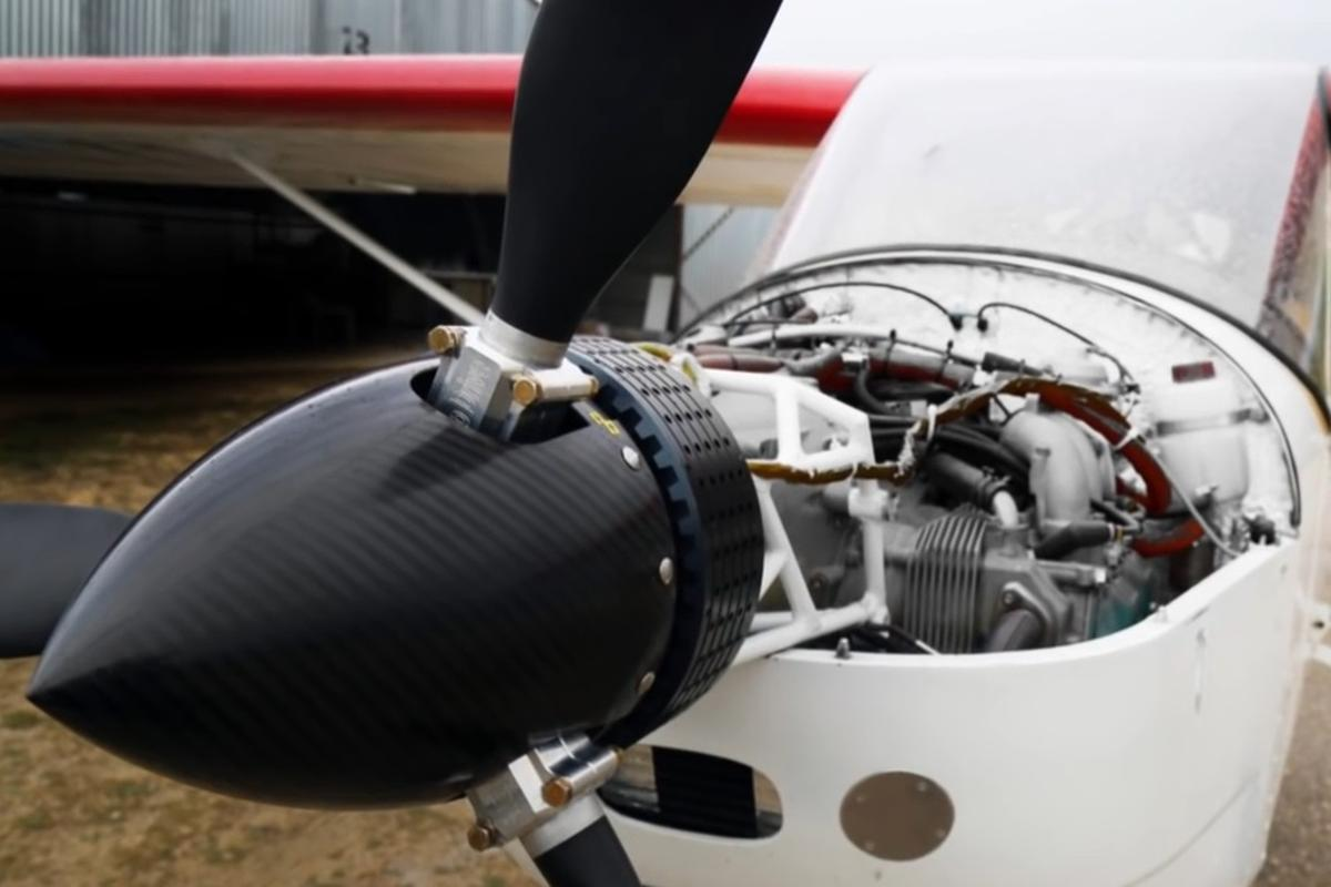 Additional electric engine adds safety and power to light aircraft