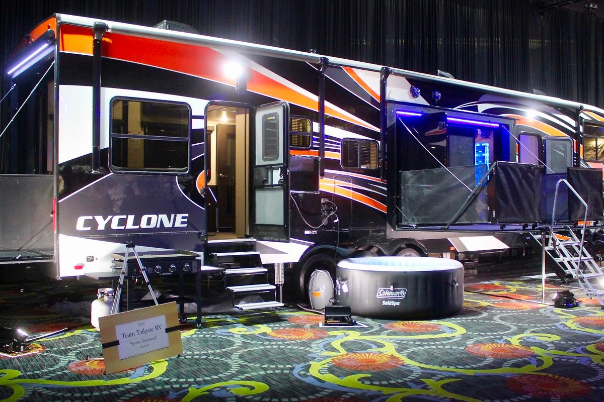 """Thor Industriesbrand Heartland presents the Cyclone Ultimate Tailgate RV, which took home the award in the """"Team Tailgate""""category"""