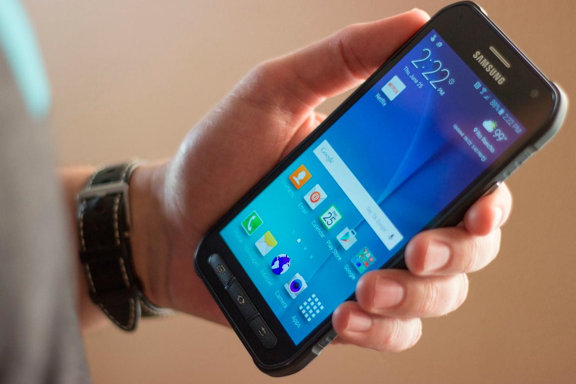 Gizmag reviews the rugged and long-lasting companion to the GS6, the Samsung Galaxy S6 Active