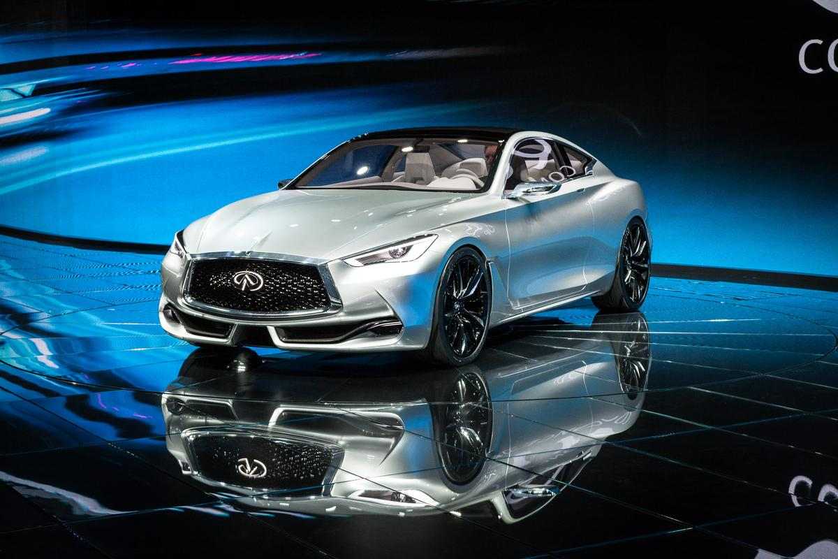 The Q60 Concept being revealed in Detroit (Photo: Loz Blain/Gizmag)