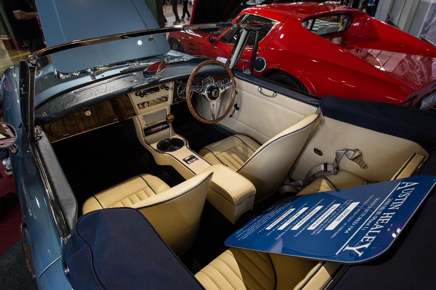 A 1964 Austin Healey 3000 MK III Phase 1 on show at Motorclassica 2014 (Photo: Nick Lavars/Gizmag)