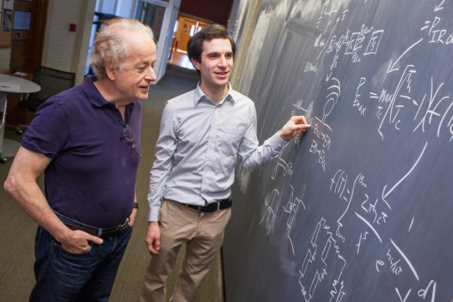 Harvard physicists Federico Capasso (left) and Steven J. Byrnes (right) are part of a team that proposes a new way to harvest renewable energy (Photo: Eliza Grinnell, SEAS Communications)