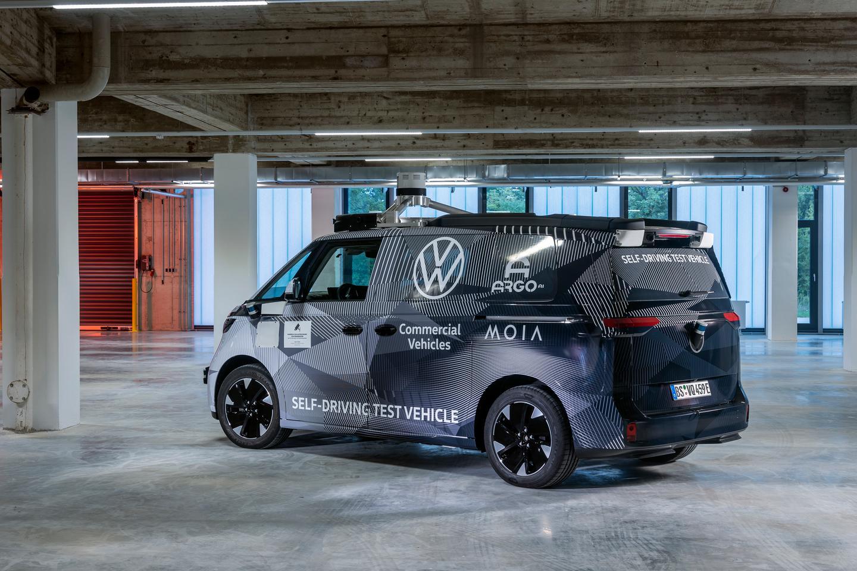 폭스바겐 ID의 프로토타입.  Buzz는 레벨 4 자율성을 특징으로 하는 자동차 제조업체의 첫 번째 회사입니다.