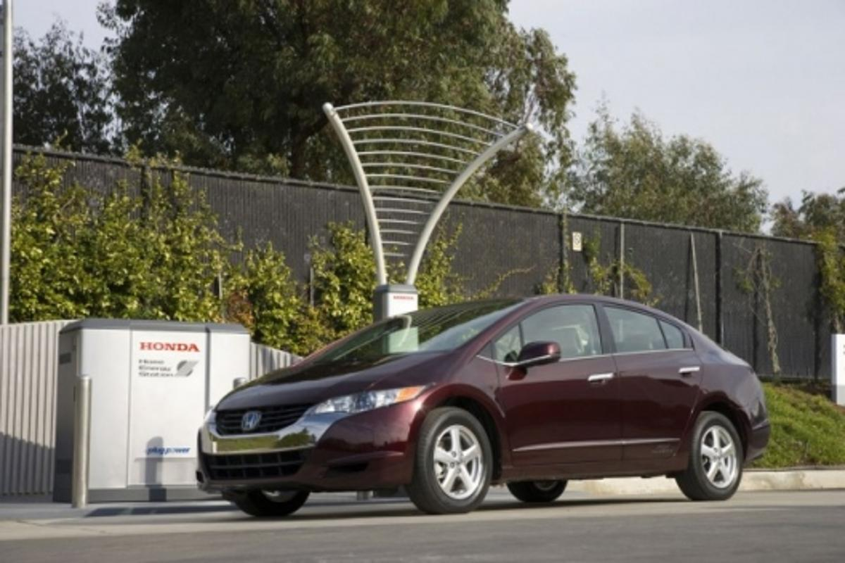 Honda's FCX Clarity and Home Energy Station IV