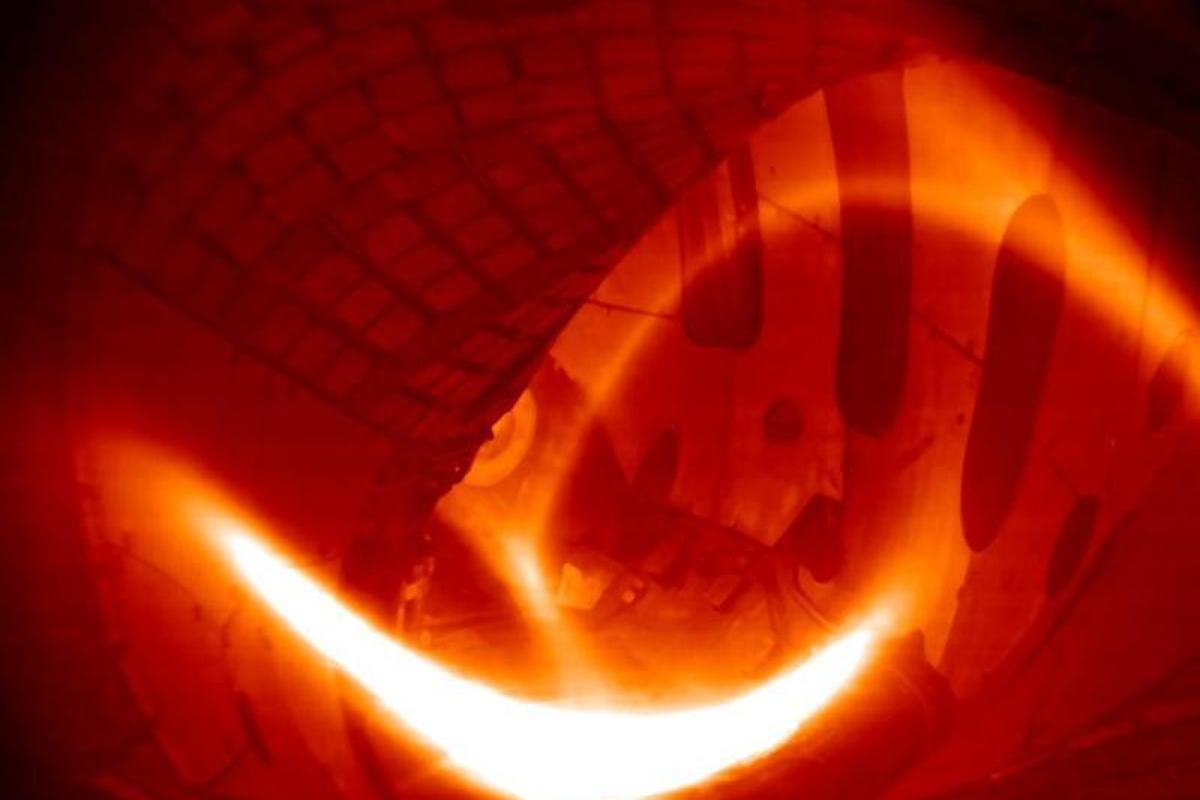 It took a 2-megawatt pulse of microwave heating to convert a small amount of hydrogen gas into a low-density hydrogen plasma